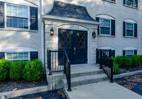 124 Middletown Square, Louisville, Kentucky 40243, 2 Bedrooms Bedrooms, 4 Rooms Rooms,1 BathroomBathrooms,Residential,For Sale,Middletown,1514190