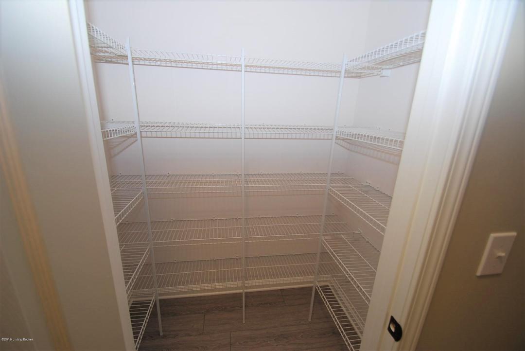 106 Charlton Wynde Dr, Louisville, Kentucky 40245, 2 Bedrooms Bedrooms, 6 Rooms Rooms,2 BathroomsBathrooms,Rental,For Rent,Charlton Wynde,1528522
