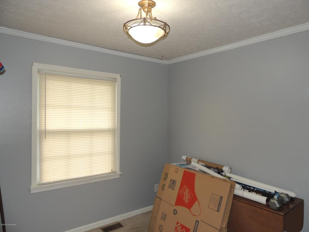 1523 Lou Gene Ave, Louisville, Kentucky 40216, 3 Bedrooms Bedrooms, 9 Rooms Rooms,3 BathroomsBathrooms,Residential,For Sale,Lou Gene,1532000