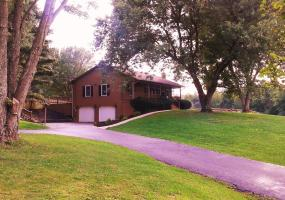 234 Anderson Ln, Shelbyville, Kentucky 40065, 3 Bedrooms Bedrooms, 7 Rooms Rooms,2 BathroomsBathrooms,Residential,For Sale,Anderson,1532121
