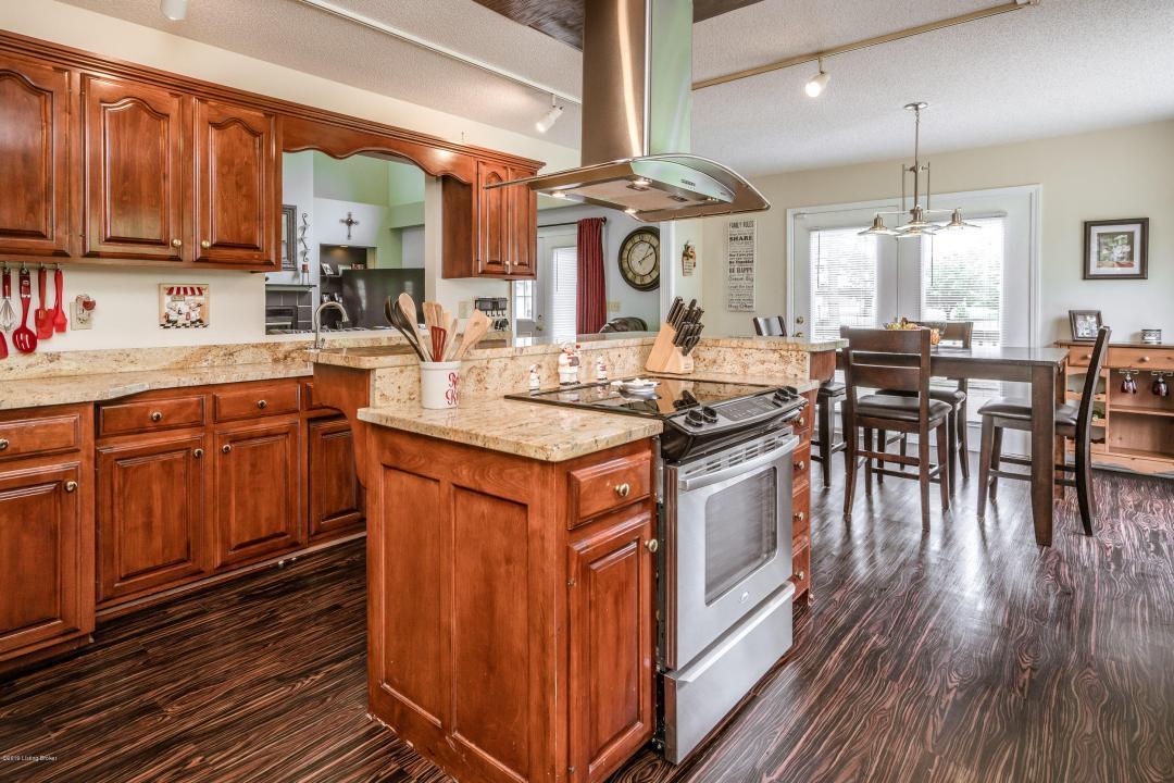 5107 MacIntosh Ave, La Grange, Kentucky 40031, 4 Bedrooms Bedrooms, 10 Rooms Rooms,3 BathroomsBathrooms,Residential,For Sale,MacIntosh,1534613