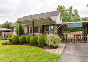 1201 Lynn Myra Ct, Louisville, Kentucky 40214, 3 Bedrooms Bedrooms, 6 Rooms Rooms,1 BathroomBathrooms,Residential,For Sale,Lynn Myra,1535205