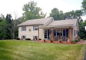 410 Shepherd Ln, Bedford, Kentucky 40006, 3 Bedrooms Bedrooms, 6 Rooms Rooms,2 BathroomsBathrooms,Residential,For Sale,Shepherd,1537489