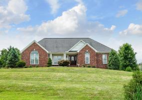 4200 Big Springs Ct, Crestwood, Kentucky 40014, 3 Bedrooms Bedrooms, 8 Rooms Rooms,4 BathroomsBathrooms,Residential,For Sale,Big Springs,1537740