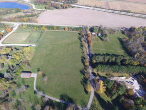 Property for sale at Lt1 E Waterstone Cir, Summit,  WI 53066