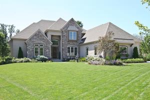 Property for sale at 630 Pond View Ct, Pewaukee,  WI 53072
