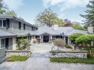Property for sale at 6144 N Brumder Dr, Hartland,  WI 53029