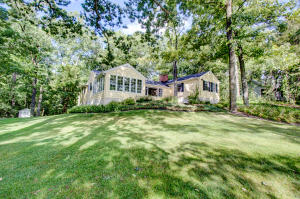 Property for sale at 31104 W Thompson Ln, Hartland,  WI 53029