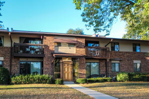 Property for sale at 345 Park Hill Dr Unit: C, Pewaukee,  WI 53072