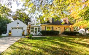 Property for sale at 418 Richmond Dr, Pewaukee,  WI 53072