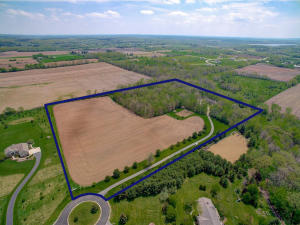 Property for sale at W326N9422 Peradell Ct, Hartland,  WI 53029