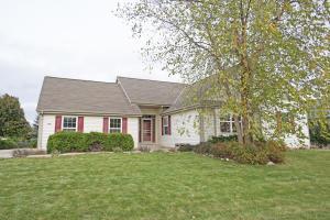 Property for sale at 232 Shore Cir, Oconomowoc,  WI 53066