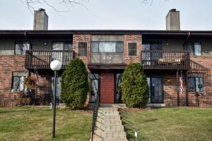 Property for sale at 374 Park Hill Dr Unit: F, Pewaukee,  WI 53072