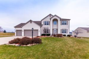 Property for sale at W1174 Fieldcress Ct, Ixonia,  WI 53036