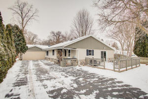 Property for sale at 635 E Sherman Ave, Oconomowoc,  WI 53066