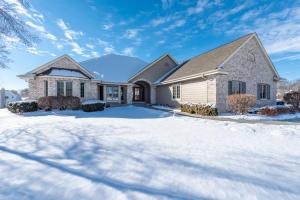 Property for sale at N66W38533 N Woodlake Cir, Oconomowoc,  WI 53066