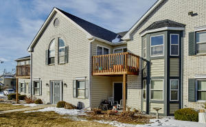 Property for sale at N25W24037 River Park Dr Unit: 15, Pewaukee,  WI 53072