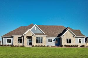 Property for sale at 1657 Whistling Hill Cir, Hartland,  WI 53029