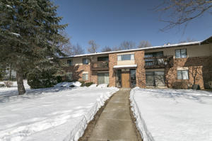 Property for sale at 327 Park Hill Dr Unit: C, Pewaukee,  WI 53072