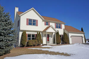 Property for sale at N77W27820 Garnet Ct, Hartland,  WI 53029