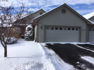 Property for sale at 427 Oak Tree Ct Unit: 102, Hartland,  WI 53029