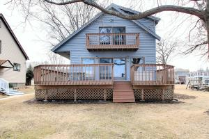 Property for sale at N27W27018 Woodland Dr, Pewaukee,  WI 53072