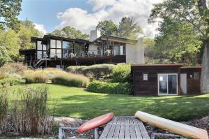 Property for sale at 1905 Nagawicka Rd, Hartland,  WI 53029