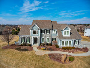 Property for sale at 1260 Four Winds Way, Hartland,  WI 53029