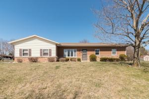 Property for sale at 1207 Willow Grove Dr, Pewaukee,  WI 53072