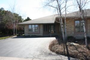 Property for sale at 514 N Ponderosa Dr, Hartland,  WI 53029