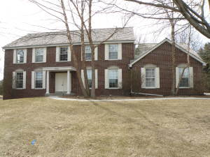 Property for sale at 908 Evergreen Cir, Hartland,  WI 53029