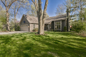 Property for sale at 1298 Wilderness Trl, Delafield,  WI 53018