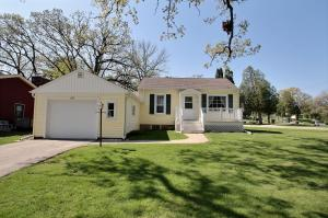 Property for sale at 116 Lookout Dr, Pewaukee,  WI 53072