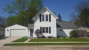 Property for sale at 622 Anderson St, Oconomowoc,  WI 53066