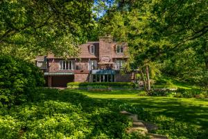 Property for sale at 6925 N Wildwood Point Rd, Hartland,  WI 53029