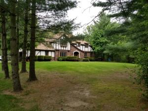 Property for sale at S50W34340 Parkview Dr, Dousman,  WI 53118