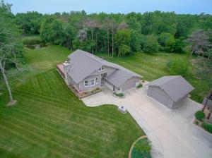Property for sale at W370S4885 Pine View Ln, Dousman,  WI 53118