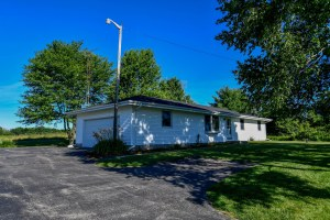 Property for sale at N6611 Morgan Rd, Oconomowoc,  WI 53066