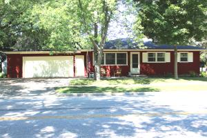 Property for sale at 934 N Oakwood Ave, Oconomowoc,  WI 53066