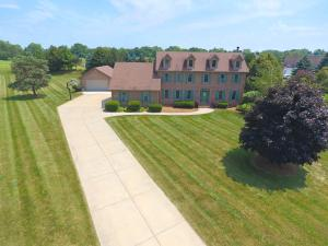 Property for sale at N69W28534 Beverly Ln, Hartland,  WI 53029
