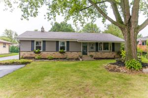 Property for sale at 133 Chestnut Ridge Dr, Hartland,  WI 53029