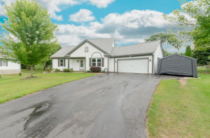 Property for sale at 198 Cramer Ave, Dousman,  WI 53118