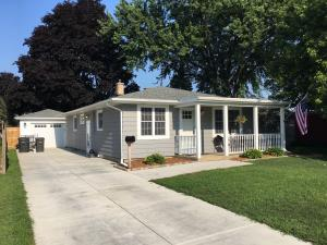 Property for sale at 928 N Oakwood Ave, Oconomowoc,  WI 53066
