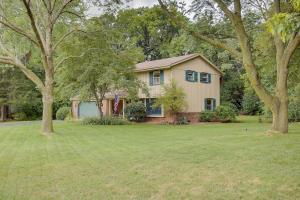 Property for sale at S12W31776 Glacier Pass, Delafield,  WI 53018