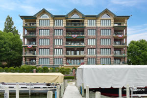 Property for sale at 318 N Lake Rd Unit: 203, Oconomowoc,  WI 53066