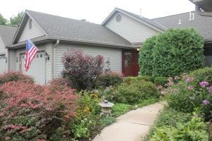 Property for sale at 329 Parkview Ct, Hartland,  WI 53029