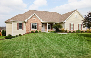 Property for sale at W229N3630 Glen Abby Ct, Pewaukee,  WI 53072