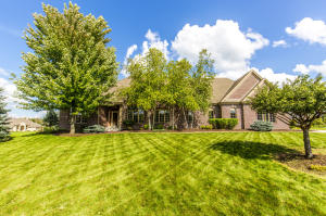 Property for sale at W229N3624 Glen Abby Ct, Pewaukee,  WI 53072