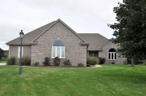 Property for sale at 858 N Red Oak Dr, Summit,  WI 53066