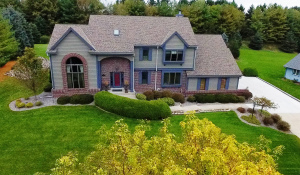Property for sale at 1260 Shelly Ln, Hartland,  WI 53029